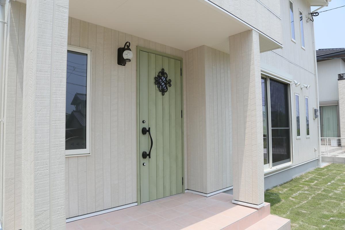 とっても可愛い玄関ドア